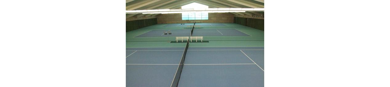Tennishalle auf der Platzanlage